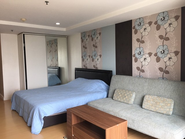 The Trendy Condo nice clean fully furnished 7th floor BTS Nana
