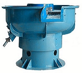 Vibratory finishing machine with Separator
