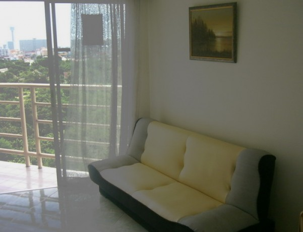 To sell a beautiful room of Jomtien Beach Condominium at 980,000 baht only 11