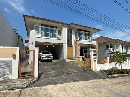 House 4 Bedrooms For Sale in Chaweng area Bophut Koh Samui Thailand