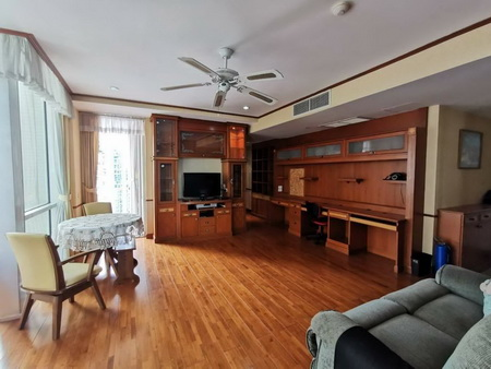 Condo for sale,Lumpini Langsuan Ville, 3 Bedrooms, fully furnished, Near the BTS Ratchadamri